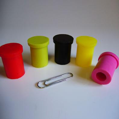 Bouchons en silicone pour des bouteilles 056